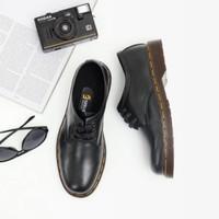 Sepatu pantofel sepatu kerja kulit asli Boston Moretti model docmart - Hitam, 39