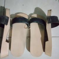 sandal kelompen bakiak wanita dan pria sandal kamar mandi anti air