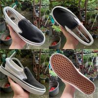 Sepatu Vans Slip On Black White Hitam Premium