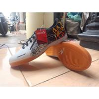 Sepatu Futsal Specs Ewaklok - Putih, 38