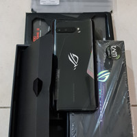 Asus ROG Phone 3 8/128Gb, warna Hitam TAM, kondisi Perfect (Like New)