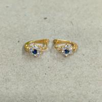 anting jepit bunga mata putih biru 1 gram emas muda