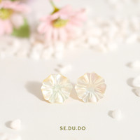 Azalea earrings | Anting mutiara asli, Nacre, Anting tusuk