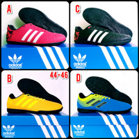 Sepatu Futsal Adidas Big size 44 - 47