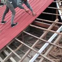Renovasi Rangka + Atap Lama.Ganti baja Ringan + Atap spandek Pasir