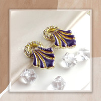 Circle Bloom Clip Earrings / Anting Jepit Mekar Lingkaran - Ungu
