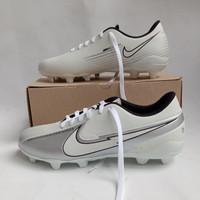 Sepatu Bola Nike - Putih, 38