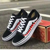 Sepatu Vans Authentic Hitam putih sneakers pria wanita sekolah skate