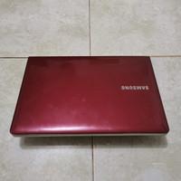 Laptop Samsung 275E4E Amd E2-2000, Amd Radeon Hd 7340 Graphics, merah