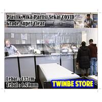 Plastik Mika Bening Pembatas Ruangan Sekat Toko AntiCovid 137cm 0.70mm