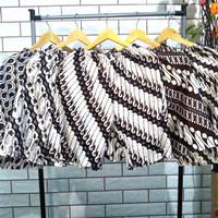 Celana Pendek Batik Jogja Pria & Wanita Motif Mataram