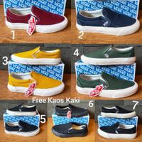 Vans Autentich size 36 - 43 sepatu pria sneakers slip on putih hitam - Lima, 42