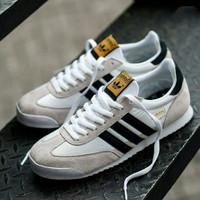 Sepatu Adidas White list black original