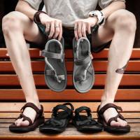 Sandal Pria Musim Panas Fashion Sepatu Pantai Sandal Rumah Korea
