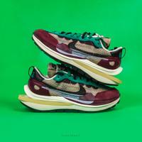 Sepatu NIKE Vaporwaffle Sacai - Burgundy, 5.5