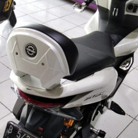Senderan jok Backrest Pcx 150/160 Local MHR