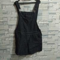 Baju kodok hitam celana pendek, jumpsuit wanita, bahan jeans PL second