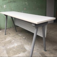 meja minimalis kantor kaki & rangka besi UK : P:160 cm,L: 45 ,T: 74-75