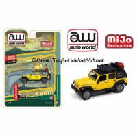 Miniatur Diecast Auto World 64 Jeep Wrangler 4x4 Yellow w/Roof Rack