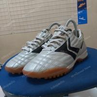 Sepatu futsal kika