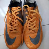 sepatu bola nike mercurial orange