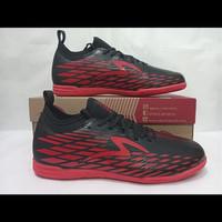 Sepatu Futsal Specs Swervo Venero 19 IN Black/Solar Red [ 400970 ] - 40