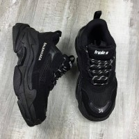 Sepatu Balenciaga Triple S Triple Black + Dustbag dan Sertif - 39