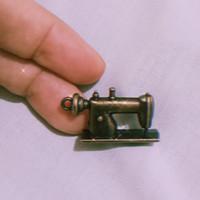 charm bandul gelang kalung - mesin jahit vintage - unik langka