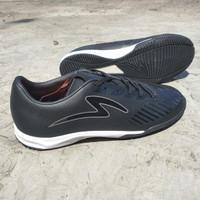 Sepatu futsal specs original swervo hydra PRO in all black new 2021