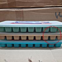 Cetakan es batu/cetakan es plastik sekat 27 + tutup Asvita