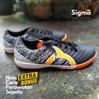 Sepatu futsal Ortuseight hitam untuk pria dewasa berkualitas dan murah - Hitam Putih, 38