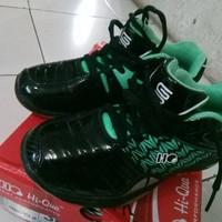 Sepatu Bulu tangkis Badminton Anak hi-qua Warna Hitam Size 35 36 37 44