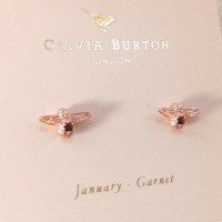 Anting Olivia Burton - celebration bee studs rose gold Garnet January