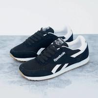 sepatu reebok classic utility suede pria casual running joging terbaru