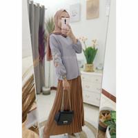 Baju Atasan Wanita Blouse Bordir Bunga - Abu-abu