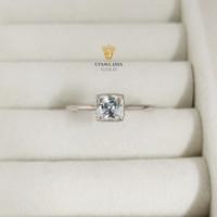 cincin emas putih mata satu persegi