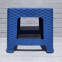 Bangku mini jongkok/kursi kecil plastik/bangku clio/bangku rotan anyam