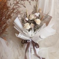 oparinpi || Nadia Bouquet || buket bunga kering || buket sola