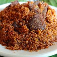 serundeng kelapa isian daging babi lezat