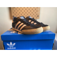 MURAH Adidas Spezial Black and White Shoes Original (Second) Size 8 UK