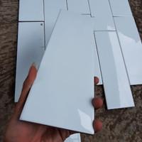 list plint keramik dinding 10x30 glossy white