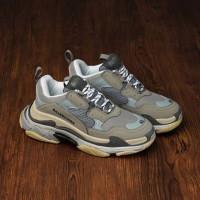 Sepatu Balenciaga Triple S Grey Cream + Dustbag dan sertif - 36