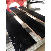 List plint keramik hitam lantai 10 x 60