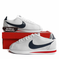 Sepatu Sneakers Casual Pria Nike Cortez Classic Leather White Navy Red - 39