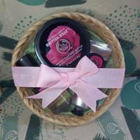 the body shop British rose gift paket seserahan parsel ramadan