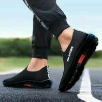Sepatu Pria Slip On Casual Sport - Hitam, 38