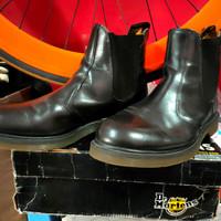 Sepatu Dr. Martens Docmart