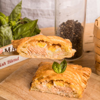 Salmon Mentai With Basil Pastry