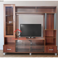 Kabinet TV wall unit penyekat ruangan dengan lemari kaca super