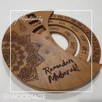 Kalender kayu perpetual unik bahan kayu jati - Perpetuality